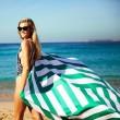 Plážová rychleschnoucí osuška Dock & Bay zelená